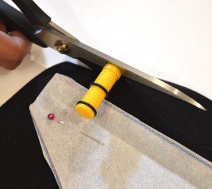 guide valeurs de couture avec les ciseaux